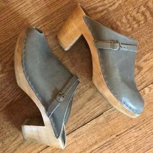Bryr peep toe clog (39)